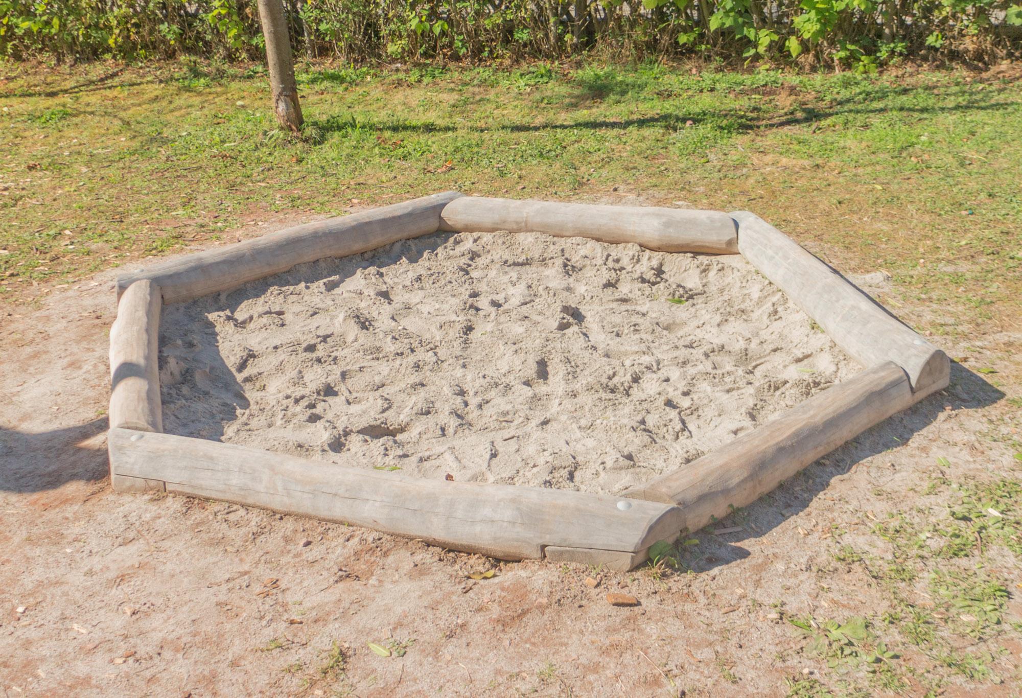sandkasten rundholz 3m sand wasser. Black Bedroom Furniture Sets. Home Design Ideas