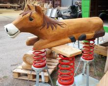 Wippgerät Liegendes Pferd