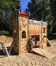 Burg-Spielanlage Einstein