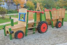 Spieltraktor Baden-Baden mit Anhänger