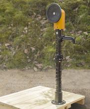 Wasserpumpe mit Handrad