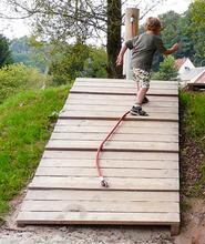 Schräge Rampe mit Seil